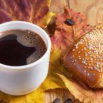 Brötchen und Heißgetränk stellen noch kein Frühstück dar