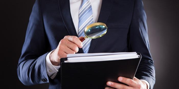 Behörden forschen nach privaten Bankkonten