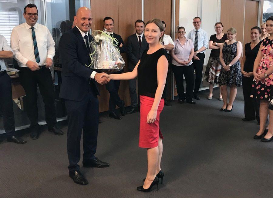 Wir gratulieren Frau Olga Kabey zur Hochzeit