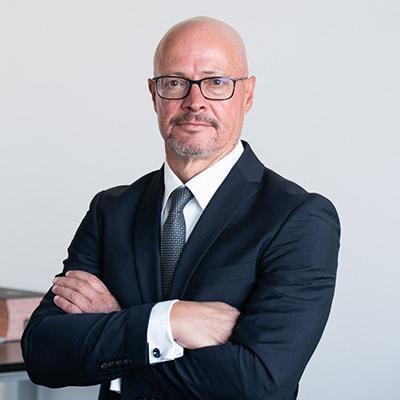 Dr. Matthias Carl