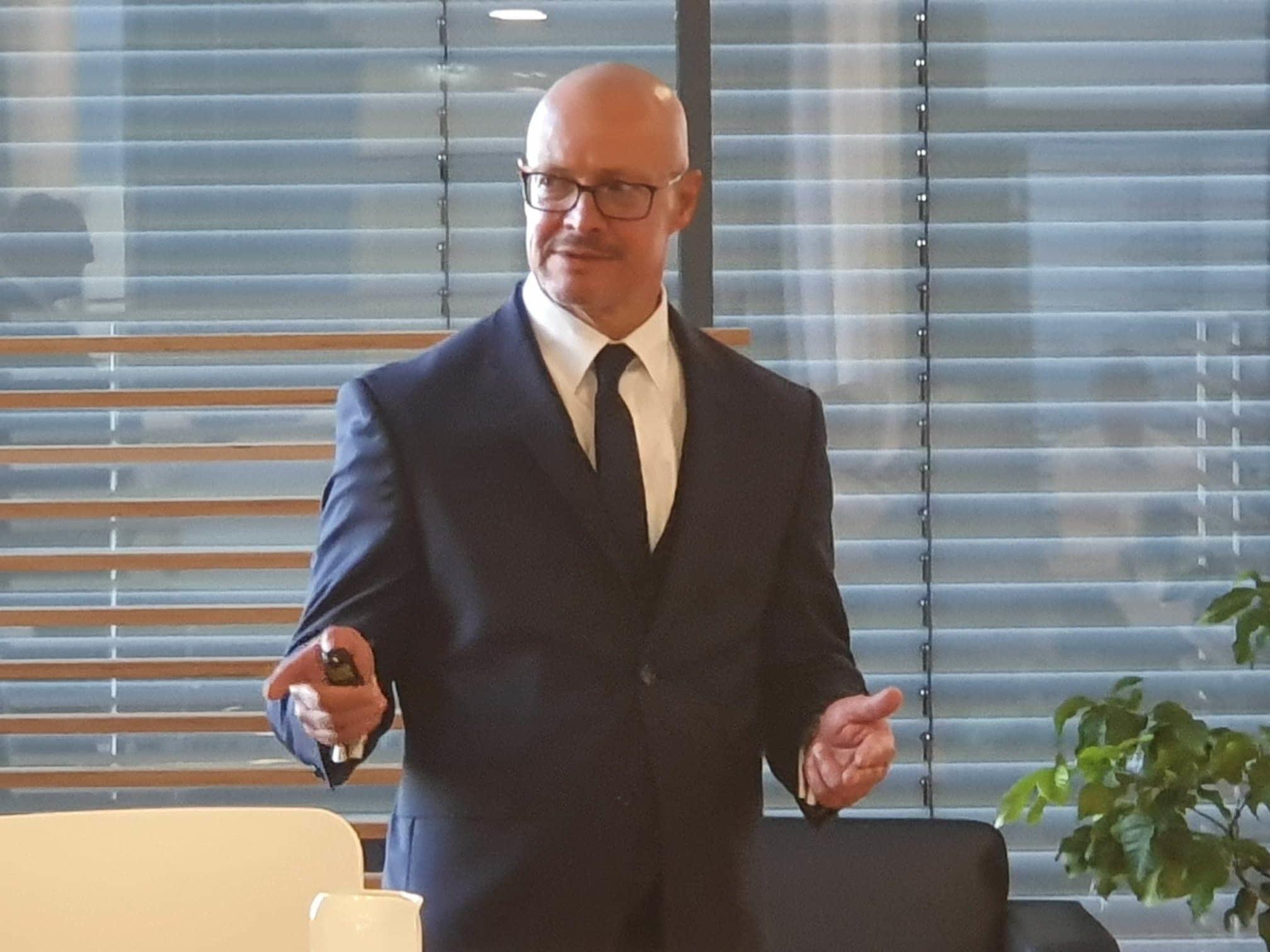 Gestern referierten Herr WPIStB Dr. Matthias Carl und Herr WPIStB Heinz Waltersp...